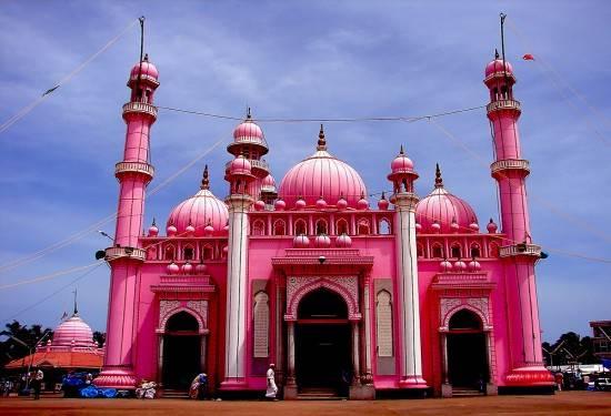 Mosquee-rose-de-Beemapalli-kerala